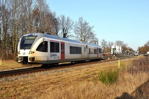 Arriva diesel-GTW 206 vertrekt uit Reuver station!
