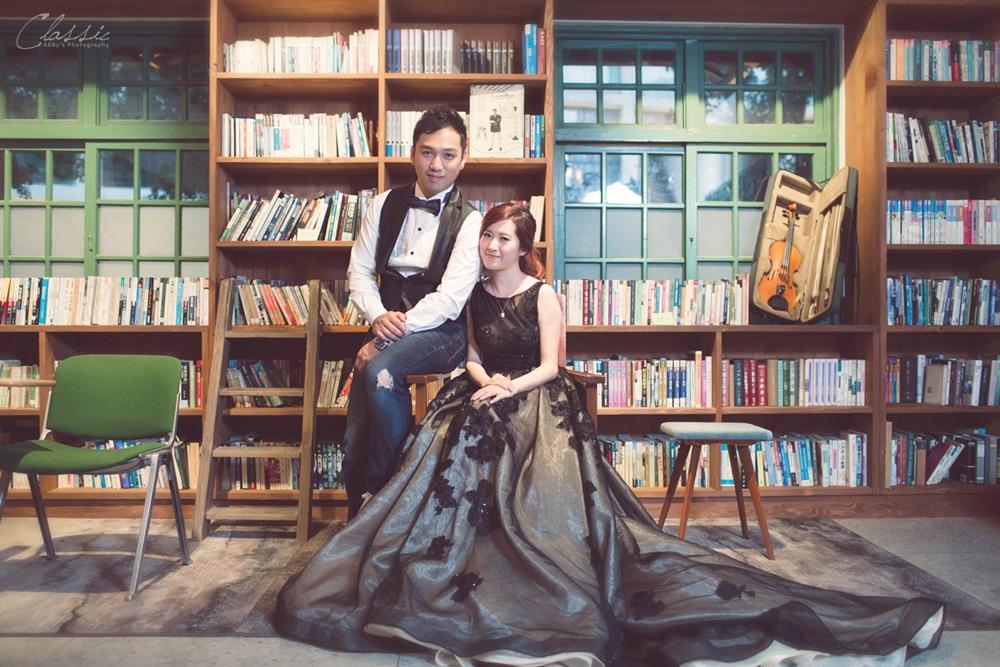 閱樂書房巷弄裡的那家書店外拍婚紗攝影師
