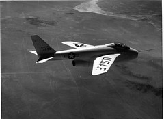 Bell X-5  US Air Force photo (San Diego Air & Space Museum Archives) Tags: bell aircraft ge generalelectric x5 xplane j35 vsw flighttest vgw bellx5 variablesweepwing variablesweepwings experimentalflight 501838 swingwings allisonj35 generalelectricj35 gej35