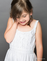 Gwen (www.pierrelognoul.be) Tags: light shadow portrait cute girl smile photoshop canon studio is child dress robe mark lumire pierre iii ombre ii 5d usm enfant fille sourire 70200 f28 couleur lightroom lognoul mignione wwwpierrelognoulbe