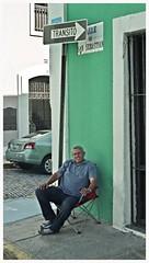 Calle San Sebastian (SamyColor) Tags: oldsanjuan sanjuan yashica viejosanjuan lightroom callesansebastian yashicaelectro35gt kodakultramax400 lightroom3 yashinoncolordx45mmf17