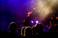 Nita (kuuan) Tags: austria concert live 100mm flare mf nita konzert manualfocus oesterreich f35 musikfest penf stagein fuelfandango zuikoautotf35100mm concertlivebandmusicwieselburghiesige dosigelive christinamanjón