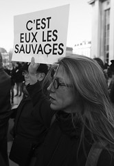 _DSF8272 (sergedignazio) Tags: france paris trocadéro tour eiffel street photography photographie rue fuji xpro2 manifestation rassemblement fenmen jacqueline sauvage justice prison