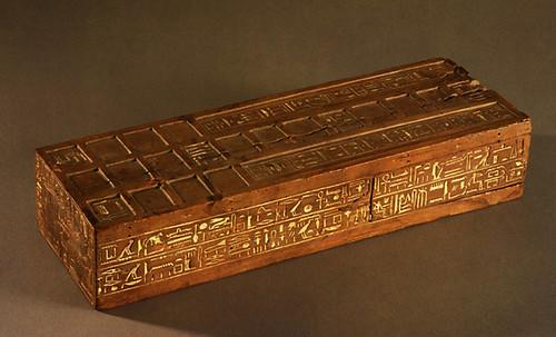 "Senet - Lujoso sistema de objetos lúdicos obsequio del dios Toht a la faraona Nefertari • <a style=""font-size:0.8em;"" href=""http://www.flickr.com/photos/30735181@N00/32369503392/"" target=""_blank"">View on Flickr</a>"