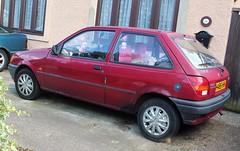 H485 HHK (Nivek.Old.Gold) Tags: 1990 ford fiesta popular plus 3door 999cc candor