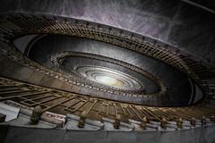 Napoli (michael_hamburg69) Tags: napoli neapel naples italy italia italien campania treppenhaus stairway staircase stairs cagedescalier escalera vanoscala trombadellescale gabbiadellescale lóutījiān corkscrewstairs flightofwindingstairs helicalstair spiral escaleraespiral viagaetanofilangeri37 palazzomannajuolo architektur architecture 19091911 scala elicoidale giuseppemannajuolo jugendstil artnouveau stilefloreale stileliberty architetto architect architekt giulioulissearata