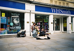 lc-a+ - oxford busker (johnnytakespictures) Tags: street city musician music film photography photo lomo lca lomography guitar folk centre oxford acoustic analogue busker agfa oxfordshire colorplus200