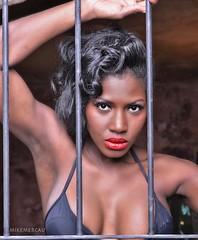 morena-004 (Mike Mercau) Tags: color fashion de mujer chica maria curves lisa sensual negra morena fotografo fashon neuqun mikemercau afrocolombiana