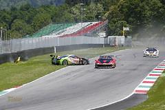 _FE13423 (Foto Massimo Lazzari) Tags: pista racer ferrari ferrarichallenge crash mugellocircuit