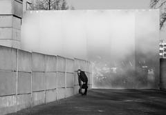 Berlin Mitte - Bernauer Straße (elisachris) Tags: berlin mitte bernauerstrase schwarzweis blackandwhite fujifilm fuji x20 berlinermauer berlinwall