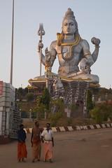 Shiva (jeet_sen) Tags: sea sand beach people sun travel india karnataka mangalore udupi malpe murudeshwar honnavar kundapura kodi kapu tourism island konkan