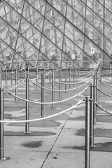 Roped off (BrianEden) Tags: france divider louvremuseum line louvre stanchions paris xpro1 fujifilm pattern fuji ropes pyramid pyramide abstract museedulouvre ãledefrance fr