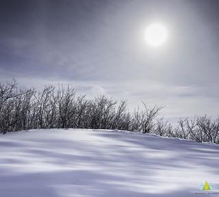 Le soleil dans la lune/Snoozing sun/Sömnig sol [Explore]