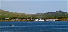 Laphroaig Seaside (tor-falke) Tags: sea sky water landscape islands scotland seaside nice wasser flickr sony scottish himmel islay scotch dslr paysage landschaft laphroaig schottland niceview écosse schön schottisch schöneaussicht scotlandtour schottlandtour sonyalpha laphroaigdistillery scotlandtours alpha58 torfalke flickrtorfalke schottlandreise2015