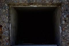 Dark (Ozetaene) Tags: barcelona texture cemetery dark square darkness stones cementerio tomb bcn tumba tomba piedras oscuridad barna oscuro pedres cuadrado cementiri cuadrat