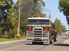 photo by secret squirrel (secret squirrel6) Tags: secretsquirrel6truckphotos craigjohnsontruckphotos australiantruck longwarry kenworth cabover classic kenworthtruck 2016