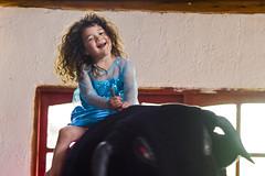 Ojo con el toro! (Alvimann) Tags: alvimann canon canoneos550d canon550d canoneos kid kids nio nios nia girl female mia
