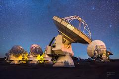 ALMA [1513] (josefrancisco.salgado) Tags: 24mmf14g alma aos arrayoperationssite atacamadesert atacamalargemillimeterarray chajnantorplain chile d810a desiertodeatacama iiregióndeantofagasta llanodechajnantor llanodechajnantorobservatory nikkor nikon provinciadeelloa sanpedrodeatacama astrofotografía astronomy astronomía astrophotography cielonocturno desert desierto estrellas interferometer interferómetro llano night nightsky observatorio observatory plain plateau radiotelescope radiotelescopio stars cl