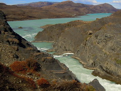 Turquoise river bend in arid Patagonia steppe - Torres del Paine, Chile (Germán Vogel) Tags: latinamerica southamerica chile travel traveldestinations traveltourism tourism touristattractions patagonia magallanesyantarticachilena magallanes torresdelpaine nationalpark parquenacional nature naturallandscape landscape river riverside turquoise contrast arid steppe bend corner turn water beautiful