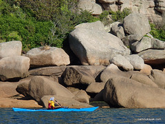 La côte de granit rose en kayak
