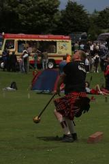 Bruce Robb - Hammer Swinger (Animated) (FotoFling Scotland) Tags: animated brucerobb kilt hammer throw thornton highlandgames