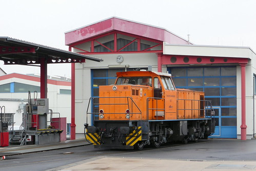 HLB: Lok 831 vor dem Lokschuppen in Butzbach Ost