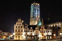 Mechelen by night (DirkVandeVelde back) Tags: europa europ europe belgie belgium belgica belgique antwerpen anvers antwerp mechelen malines malinas sony sintromboutstoren grotemarkt christendom werelderfgoed night outdoor
