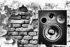 SONIDO POTENTE (kchocachorro) Tags: music sound blackandwithe byn blancoynegro bnw monocromatico