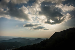 Paso de nubes (grego.es) Tags: 2015 a700 aracena carlzeiss1680 huelva sonyalpha cascadas castaños flores hojassecas noviembre otoño rocío senderismo sierra wwwgregoes árboles