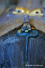 KV55 Coffin Detail (konde) Tags: kv55 valleyofthekings 18thdynasty newkingdom coffin mummycoffin gilded treasure art uraei cartouche hieroglyphs ancient