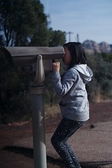 1927 Peeking (mliu92) Tags: sedona arizona airportoverlook trail figgy daughter