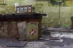 Jungle school, BEL (*PicturWall iLOVEyourHOME*) Tags: picturwall love your home canon 60d 10 mm 6d 1635 f4 urbex exploration urbaine urban decay abandoned forgotten lost place abandonné oublié désaffecté friche abbandonato incolto dimenticato verlassen vergessen brache geschlossen abandonado olvidado baldío lr lightroom hdr photomatix jungle school école be bel belgique belgium
