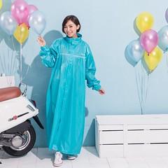Full Maxi Length Nylon Raincoat (betrenchcoated) Tags: raincoat regenmantel regenjacke nylon fulllength maxicoat long beautifulgirl