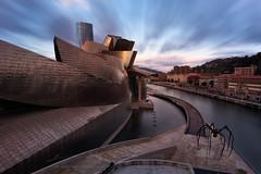Amanecer en el Guggenheim (sgsierra) Tags: guggenheim bilbao cloud long exposure larga exposicion color araña ría bilbo euskadi país vasco españa spain europe arquitectura architecture