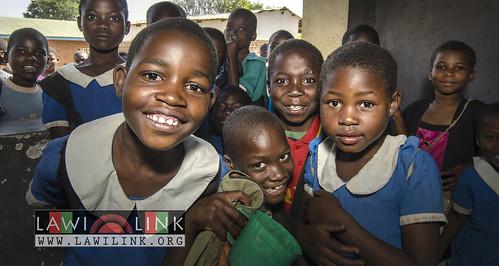 "school lunzu malawi • <a style=""font-size:0.8em;"" href=""http://www.flickr.com/photos/132148455@N06/19071715596/"" target=""_blank"">View on Flickr</a>"