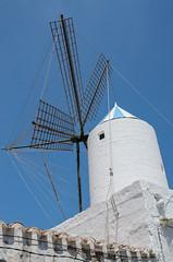 Sant Luis (Digidiverdave) Tags: spain menorca baleares windmil illesbalears balearics davidhenshaw santllus henshawphotography