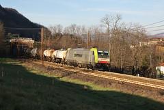 Treni d'autunno - Captrain (Maurizio Zanella) Tags: treni trains ferrovia railways captrain akiem e483310 mrs51307 italia alessandria rigoroso