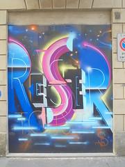 338 (en-ri) Tags: reser tots crew blu fuxia arrow torino wall muro graffiti writing cielo sky