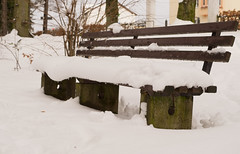 occupied seats in the park (puste66blume) Tags: 522017 alpha58 bank hbm inesbilder schnee seat sitz bench puste66blume