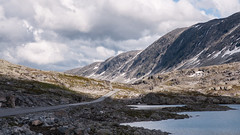 Stryn (michaelpieper1) Tags: sommer wolken regen see norwegen mountains lake mountain tal europe valley skandinavien norway stryn fjell scandinavia strynefjell gamle strynefjellsvegen norwegische landschaftsrouten alte strynefjellstrase riksvei 258 reichsstrase rv schotterstrase