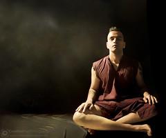 Monk Photograpy Low-Key