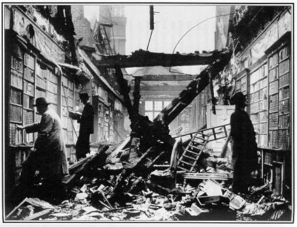 Attention aux dommages collatéraux sur les bibliothèques de la loi Hadopi 2 (Library After Air Raid, London, 1940)