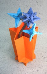Star Vase (PhillipWest) Tags: stars star origami fireworks omega vase six paperfolding papiroflexia pointed johnmontroll oschene starvase philipchapmanbell cansonmiteintes