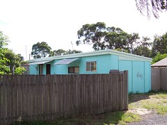 Blue 50s cabin (Spikebot) Tags: australia 1950s nsw walkies umina pc2257 auspctagged