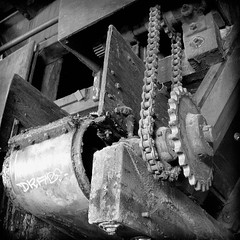 The Gears Forever Silent (Dave Ward Photography) Tags: old blackandwhite bw usa building abandoned us washington rust industrial unitedstates machine rusty unfound 2006 structure chain warehouse machinery rusted bellingham wa disused cogs gears haley 1944 whatcom davewardsmaragd rghaley rghaleyinternationalcorporation rghaleyinternational