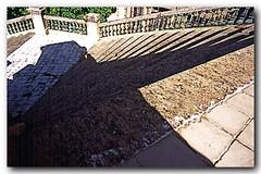 Descendo a escada na Urca (Z Lobato) Tags: arquitetura brasil riodejaneiro escada urca zrobertolobato zlobato