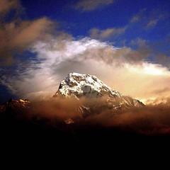 Hiunchuli (A VersAerien) Tags: nepal 1025fav montagne trekking trek nikon asia asie d200 annapurna népal sanctuaire himalya hiunchuli saarc fivestarsgallery fsgtravel