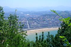 205 (sul gm) Tags: city sea summer espaa beach mar town spain ciudad playa verano zb euskalherria euskadi basquecountry paisvasco donostia laconcha sansebastin salgm