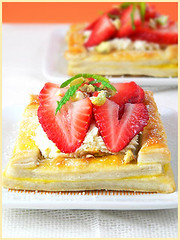 Strawberry Mini Tarts (La tartine gourmande) Tags: food dessert strawberry sweet mascarpone