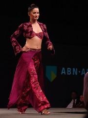 Nilofer's designs, Pakistan's women
